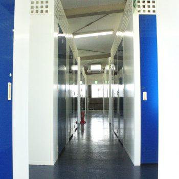 トランクルームの廊下