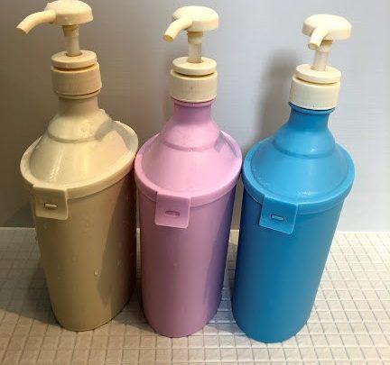 色違いでそろえた詰め替えボトル