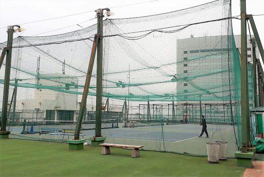 コナミスポーツクラブのテニススクールのテニスコートの写真