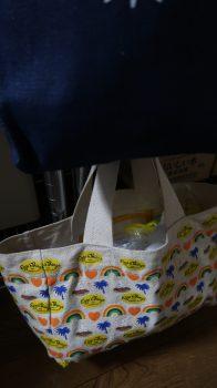 レジ袋をサイズ別ですみ分けたバッグ