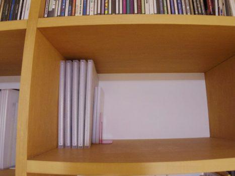 本棚に収納したアルバム