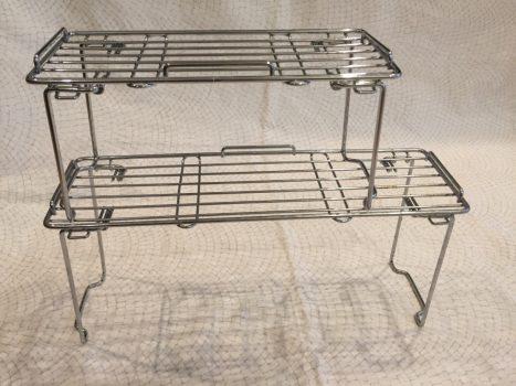 組み立てた折り畳みキッチンラック