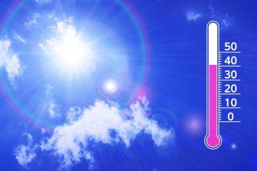 真夏の太陽と気温のイメージ画像