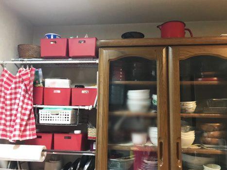 セリアの赤い収納ボックス