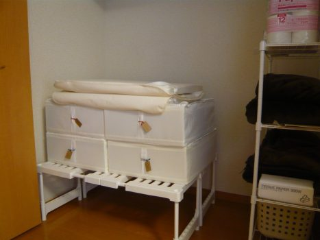 IKEAろニトリを使った布団収納