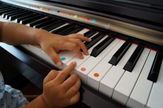 ピアノと子供